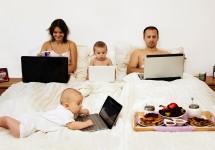 Работа в интернете на дому для мам в декрете — без вложений и обмана
