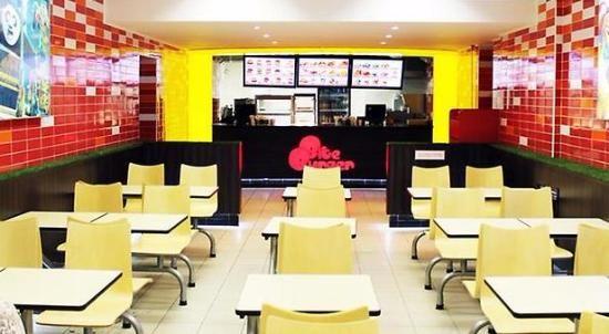 Торговый зал кафе фаст-фуд